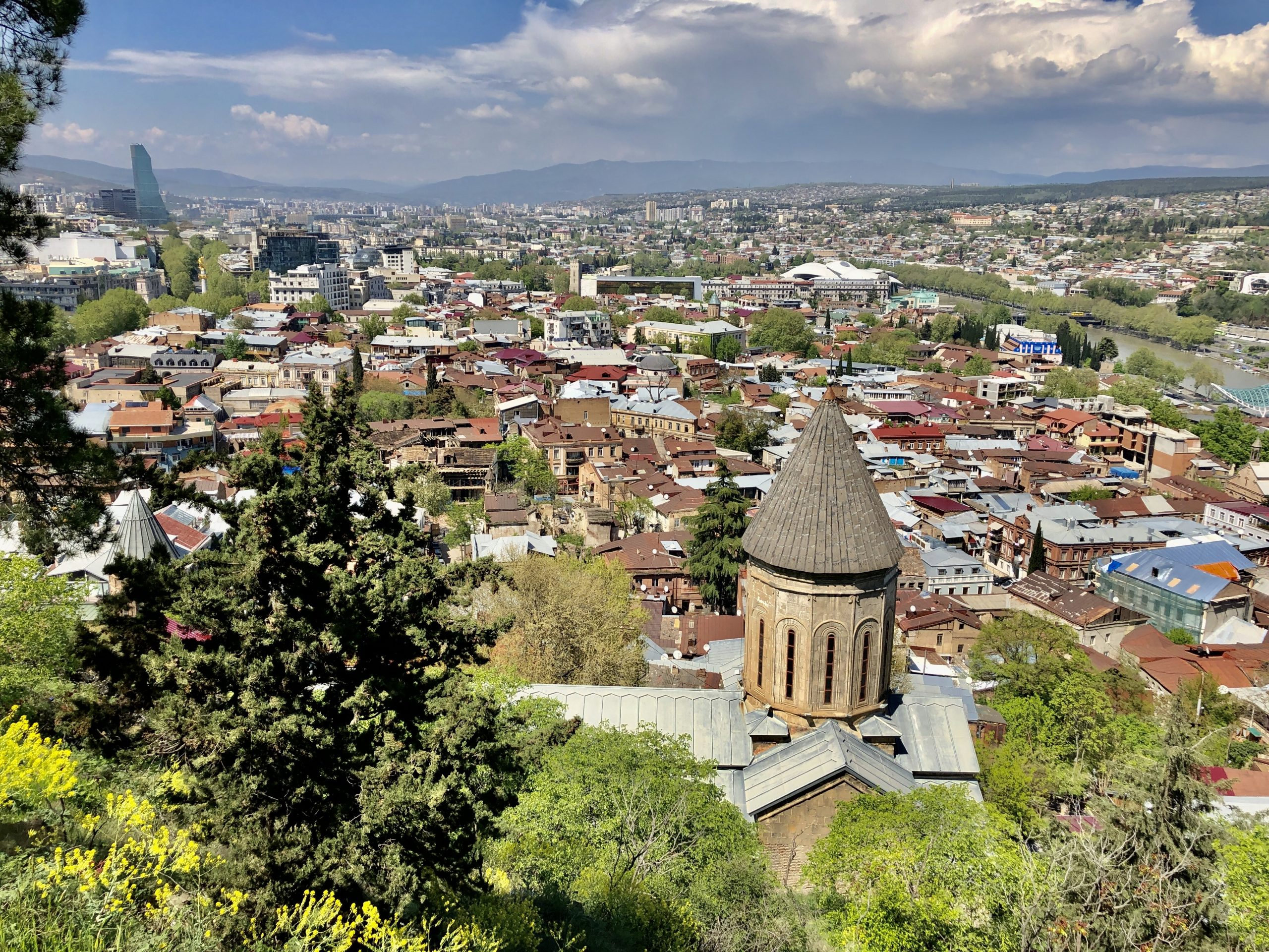 9 фактов, которые вы должны знать, прежде чем купить квартиру в Тбилиси или Батуми